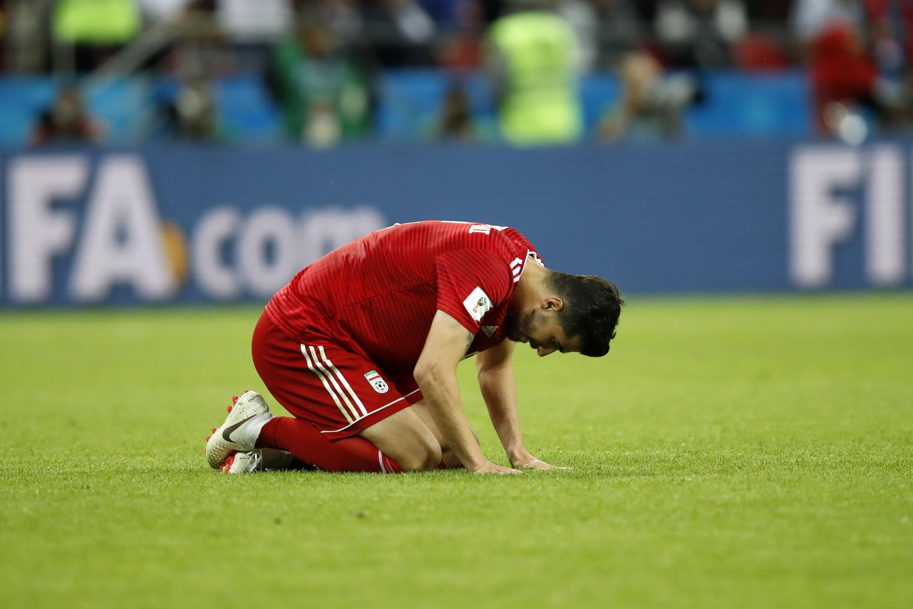 Халфът на Иран Сайд Езатолахи беше изключително разстроен след загубата
