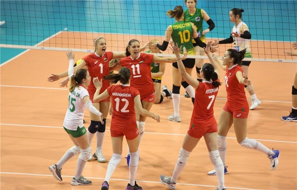 Волейболистките от националния отбор на България започнаха повече от отлично