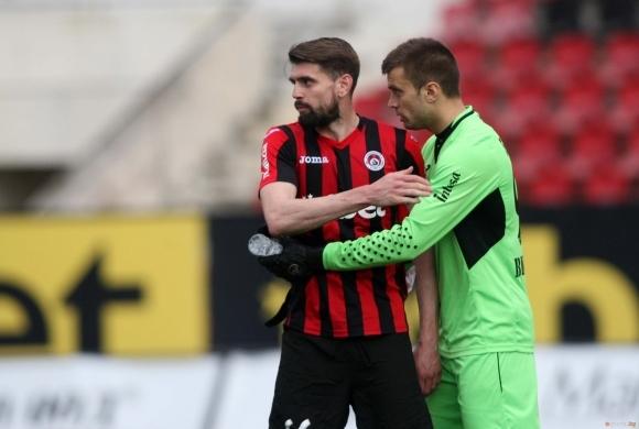 31-годишният защитник Александър Бранеков ще играе за третодивизионния отбор на
