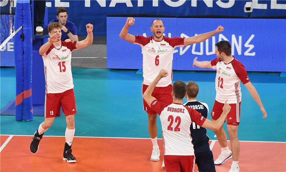 Световните шампиони от Полша са все по-близо до класиране за