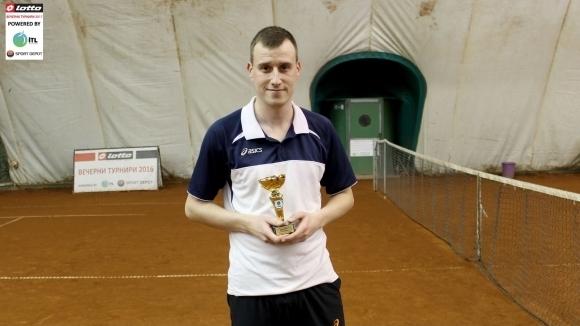 Радослав Владимиров, победител в първия Мастърс на Интерактив тенис за