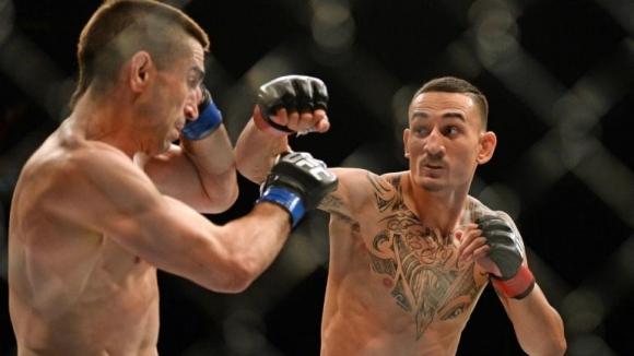 """Шампионът в категория """"перо"""" на UFC Макс Холоуей няма да"""