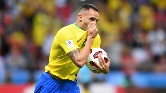 Халфът на Бразилия Ренато Аугусто не скри тъгата си след