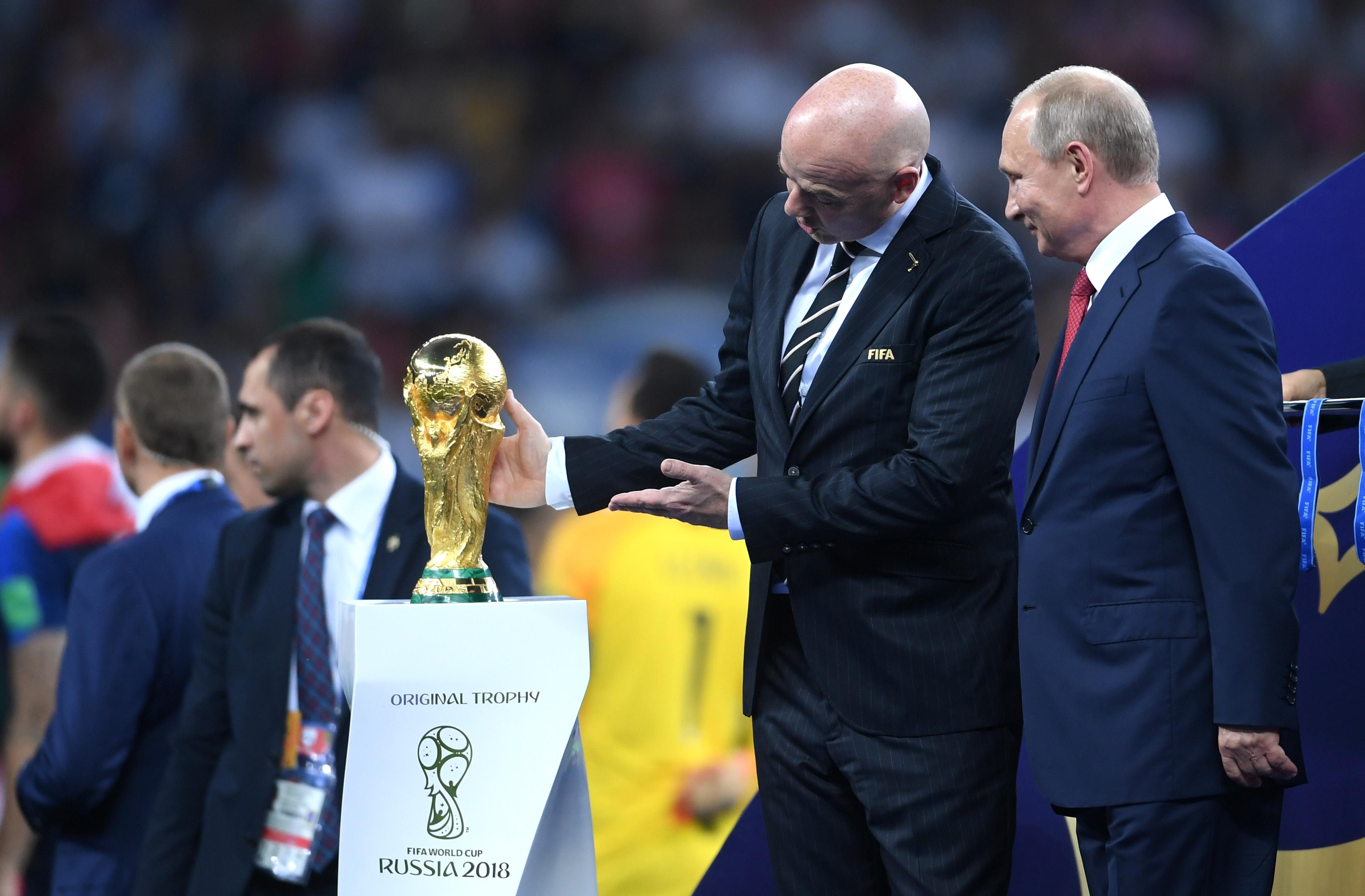 Президентът на ФИФА Джани Инфантино коментира една от най-любипитните истории
