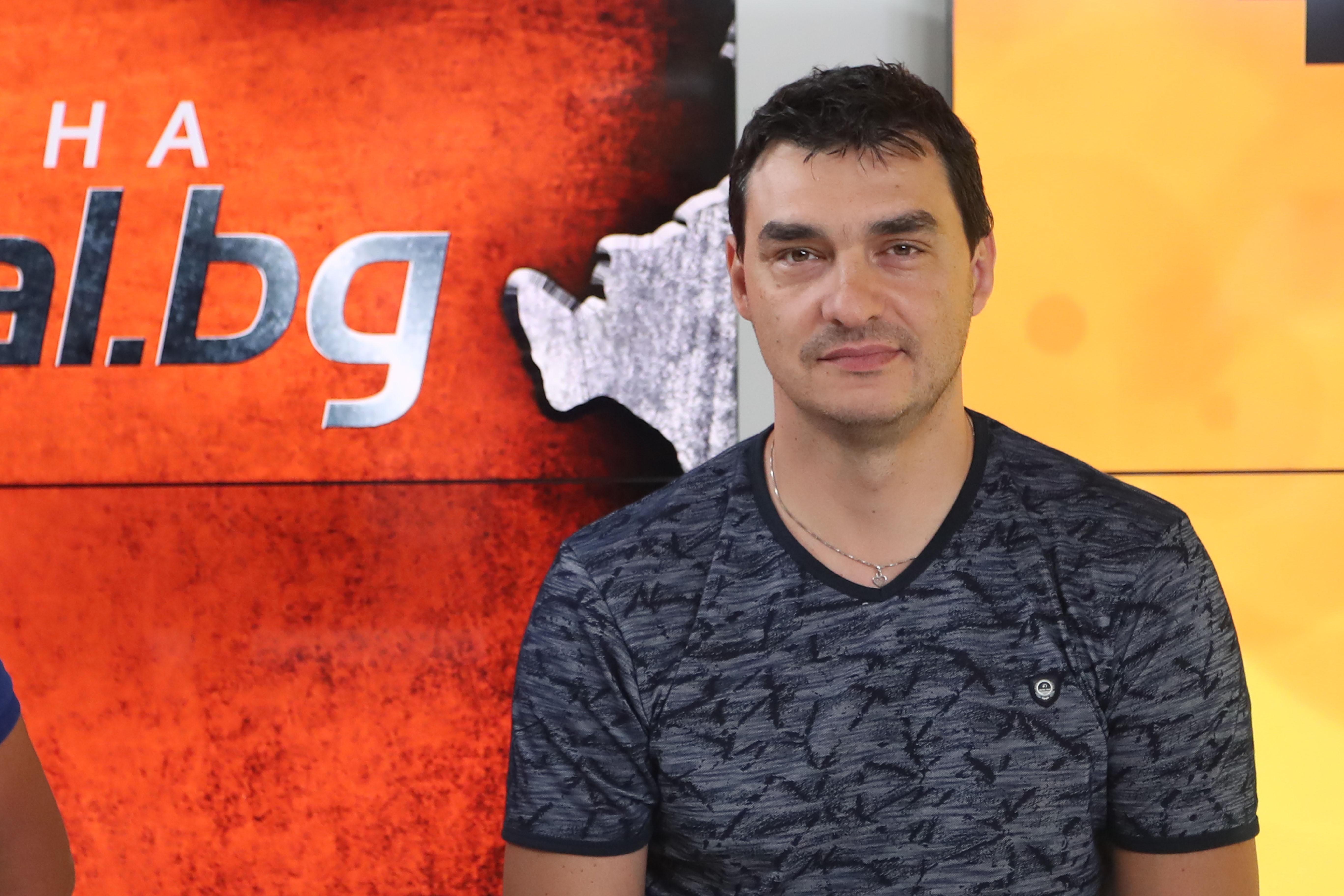 Старши треньорът на волейболния Левски София Владимир Николов обяви, че