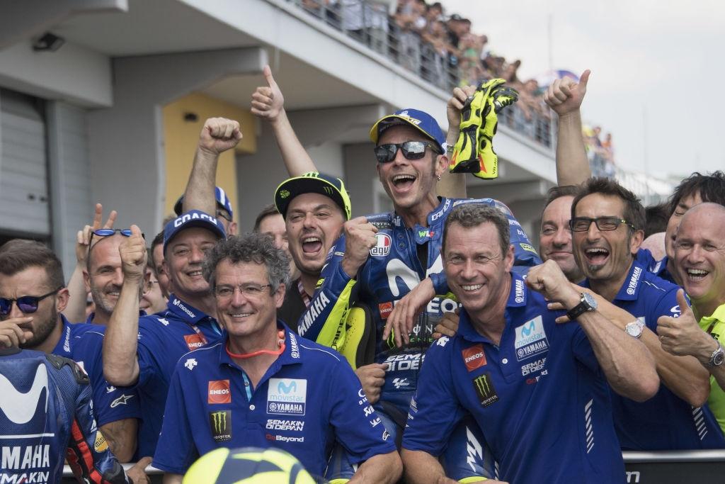 Валентино Роси предполага, че инженерите в Yamaha са започнали да