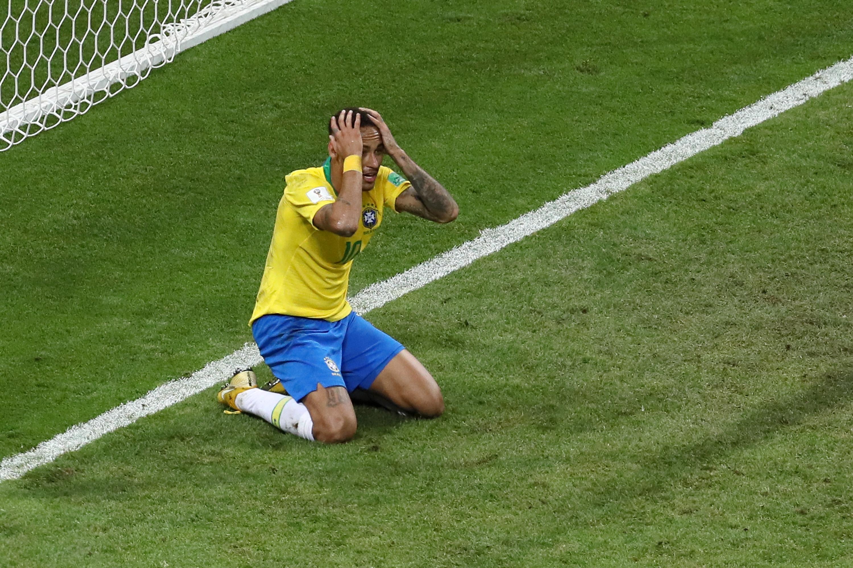 Бразилският нападател Неймар прояви завидно чувство за самоирония. Асът на