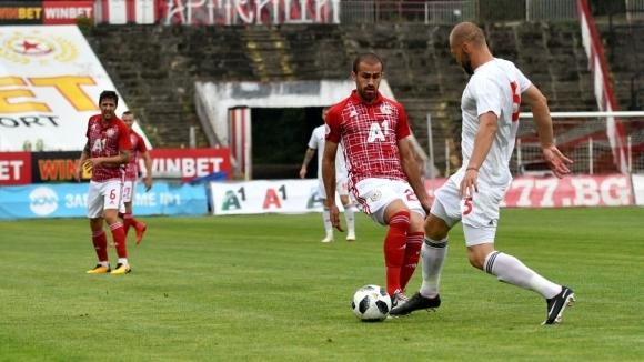 Само шест часа след като ЦСКА-София се прибра в България,