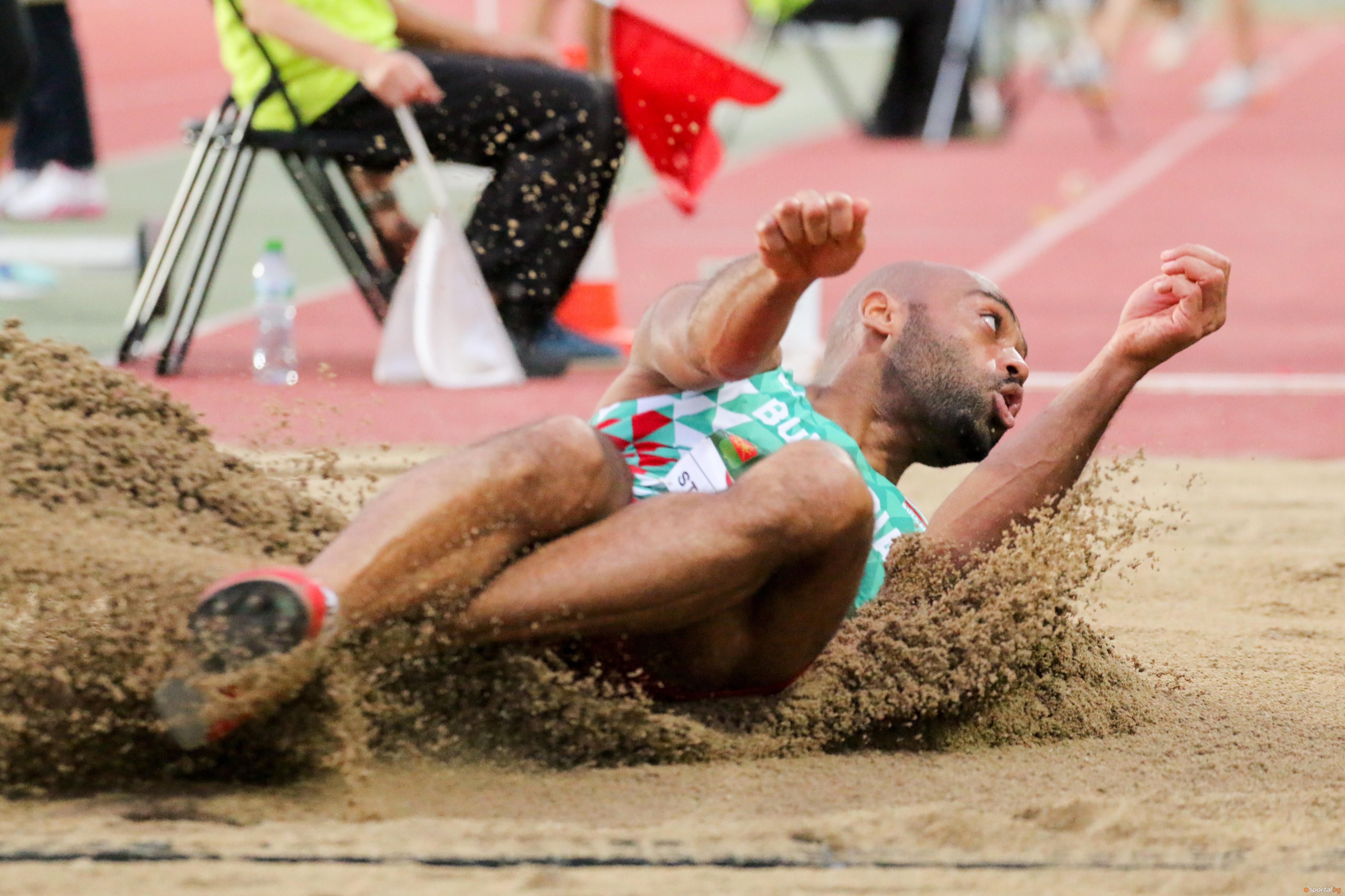 Денис Ерадири извоюва петия медал за България в първия ден