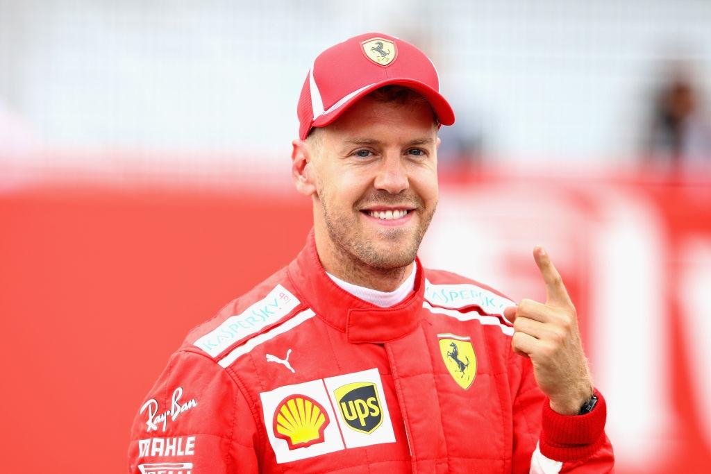 Пилотът на Ферари Себастиан Фетел спечели категорично квалификацията за Гран