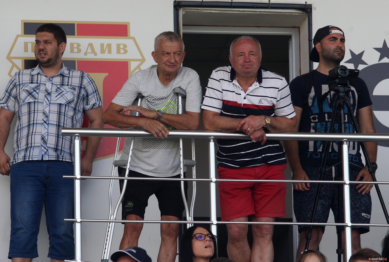 Собственикът на Локомотив Пловдив Христо Крушарски си почива на Слънчев