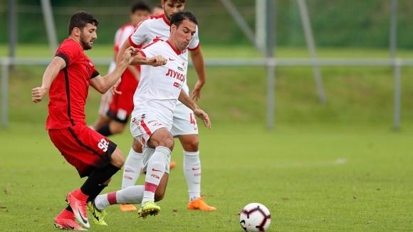 Най-добрият футболист на България Ивелин Попов беше титуляр срещу Ашдод