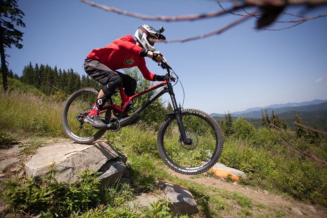Близо 100 състезатели участваха на държавния шампионат по планинско колоездене