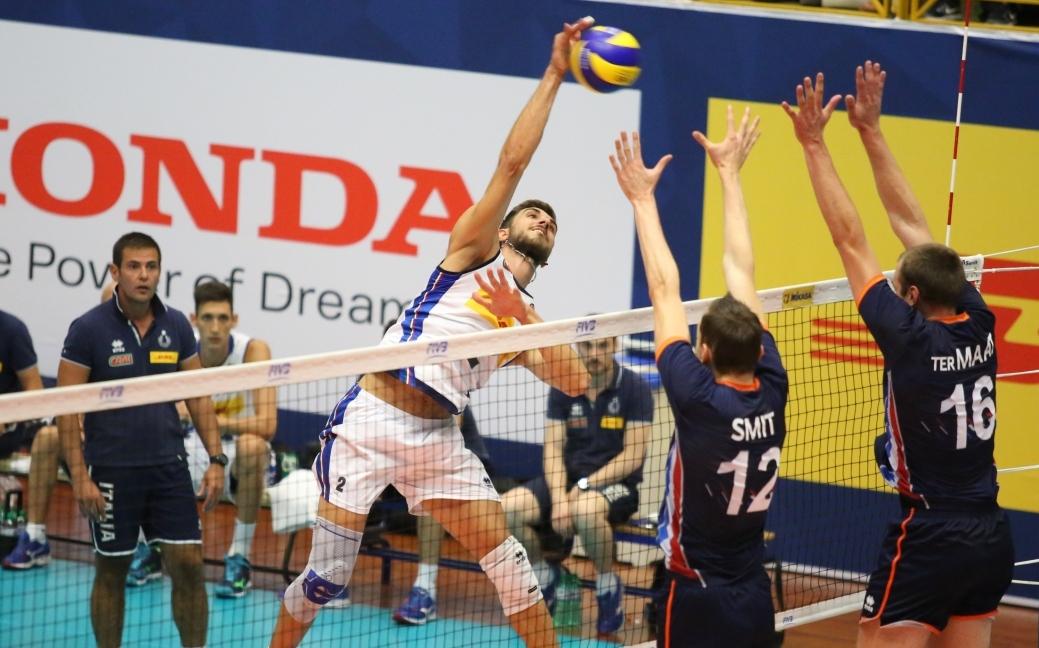 Тимът на Холандия спечели драматично втората контрола с Италия, част
