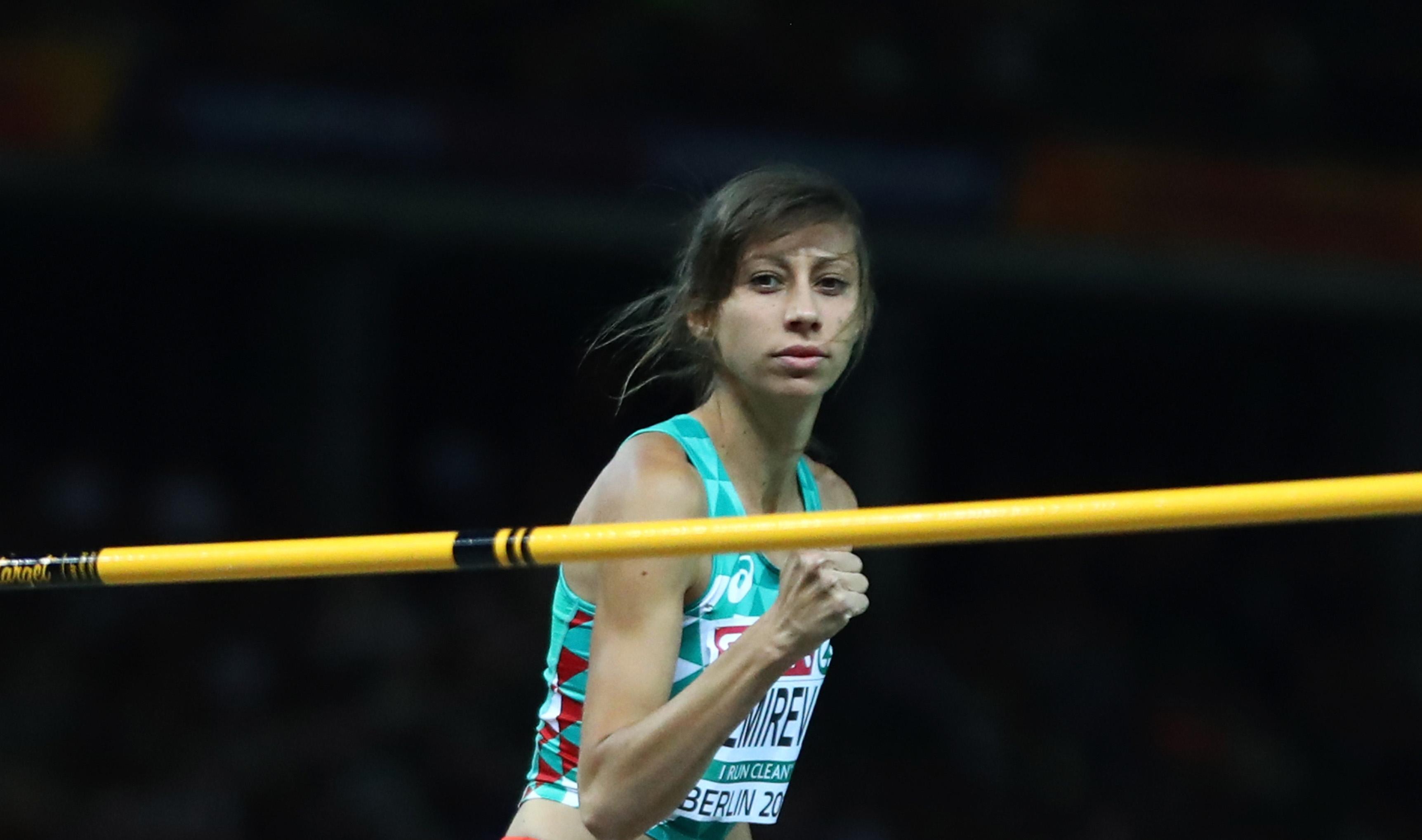Мирела Демирева скочи 200 см от третия опит и си