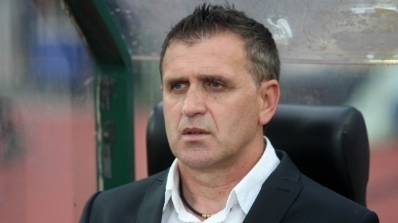 Старши треньорът на Локомотив (Пловдив) Бруно Акрапович поздрави играчите си