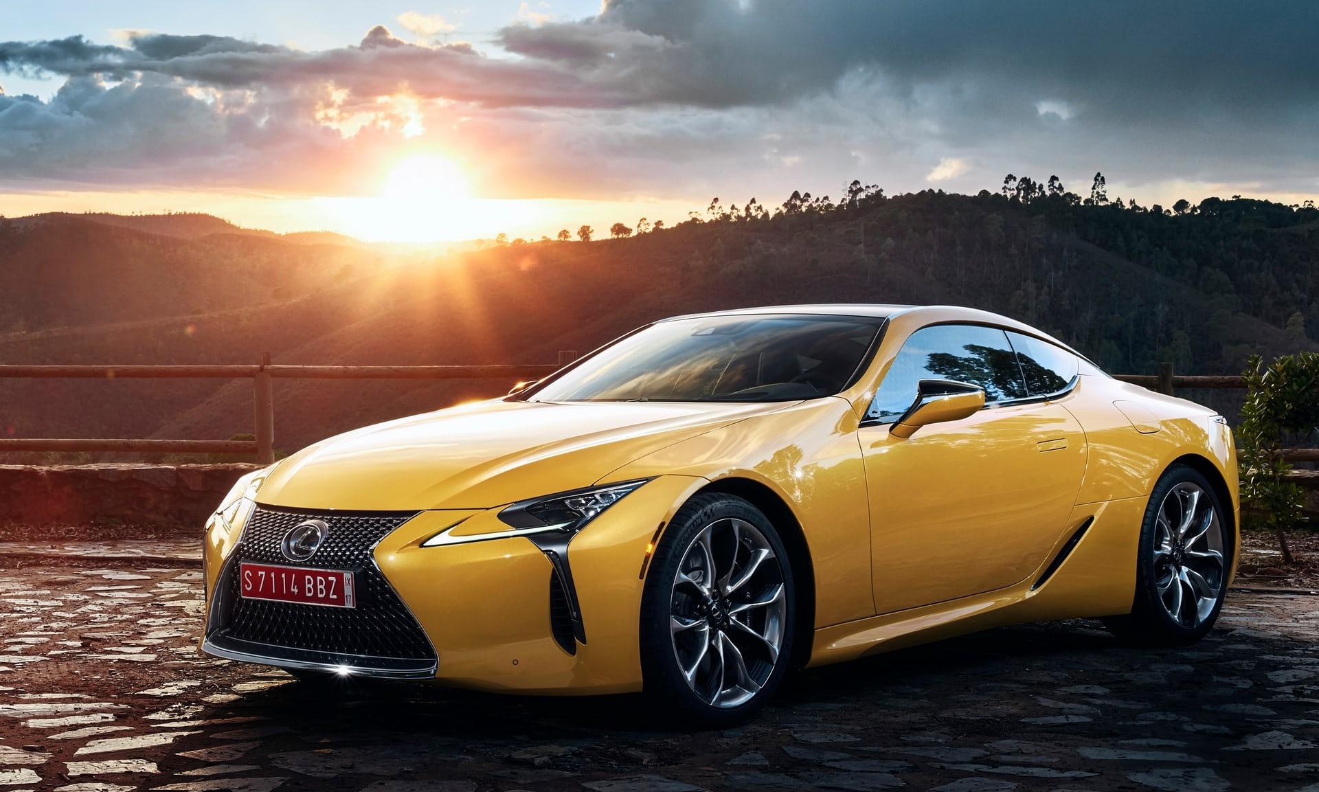 С новия LC Yellow Edition Lexus представя ново, ослепително допълнение