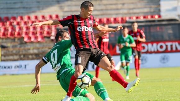 Отборите на Локомотив (София) и Лудогорец 2 играят при резултат
