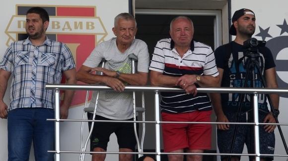 Собственикът на Локомотив (Пловдив) Христо Крушарски няма никакво намерение да
