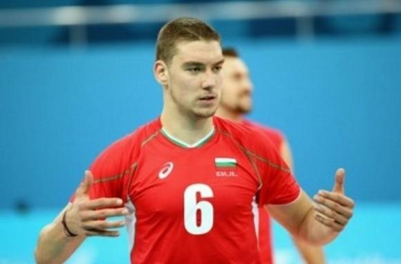 Волейболният отбор на Добруджа 07 (Добрич) се похвали с новото