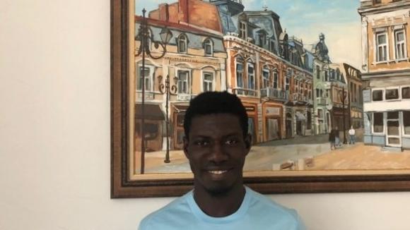 Ръководството на Дунав Русе подписа договор с ганайския футболист Дерик