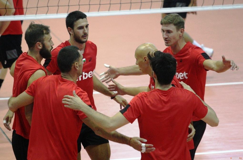 Волейболистите от националния отбор на България се наложиха над победителя
