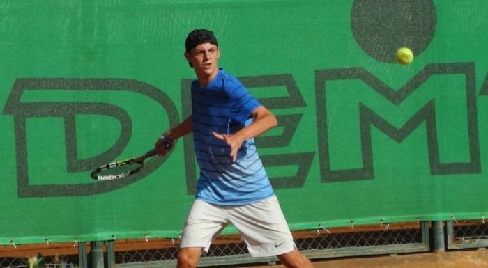 Александър Лазаров се класира за четвъртфиналите на турнира по тенис