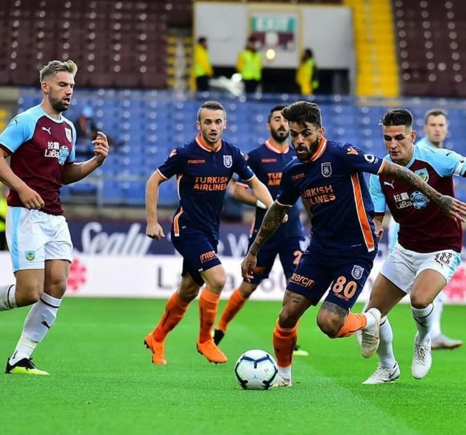 Английският Бърнли се класира за плейофите за влизане в Лига