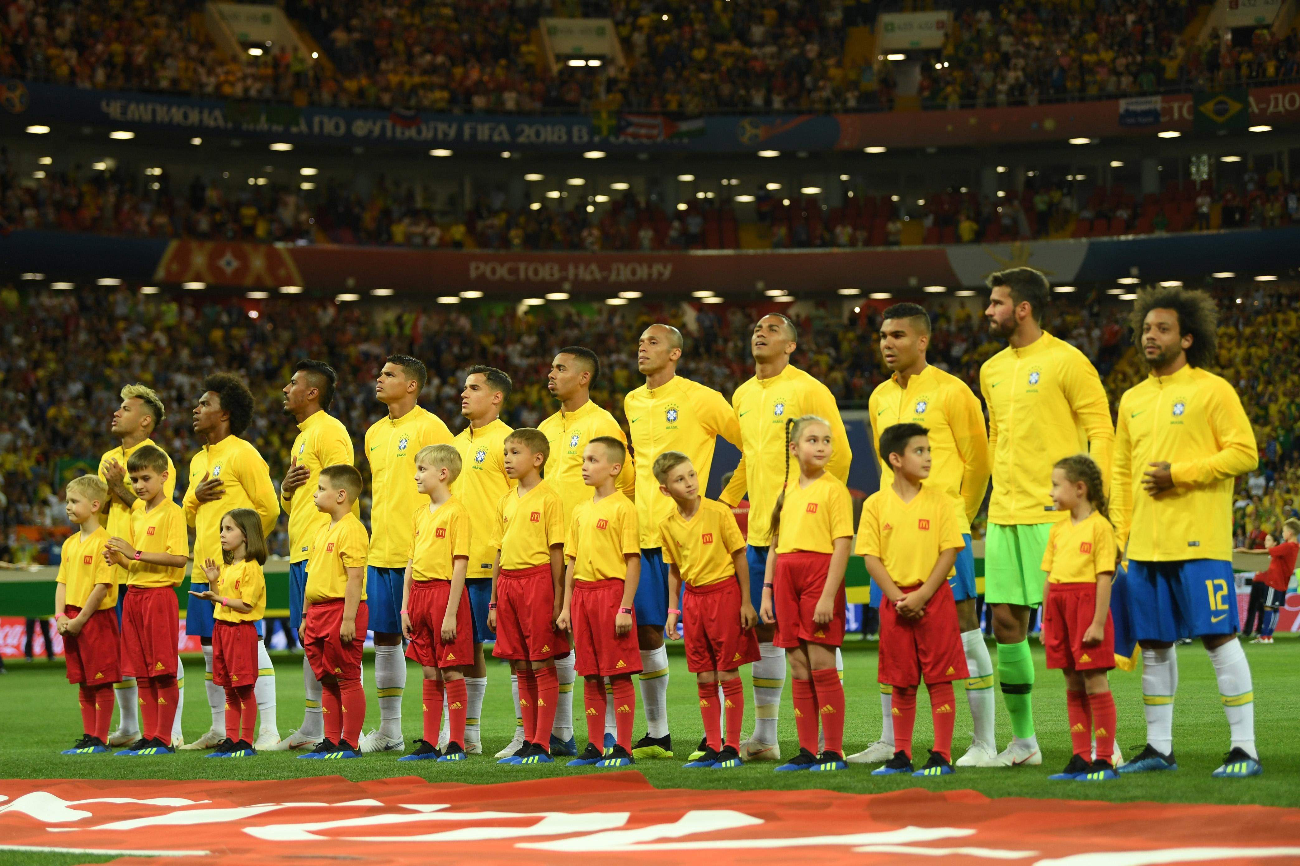 Националният селекционер на Бразилия Тите определи избраниците си за контролата
