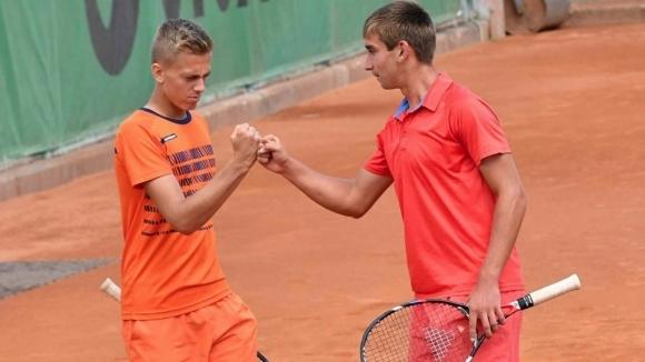 Българските тенисисти спечелиха титлите на двойки при юношите и девойките