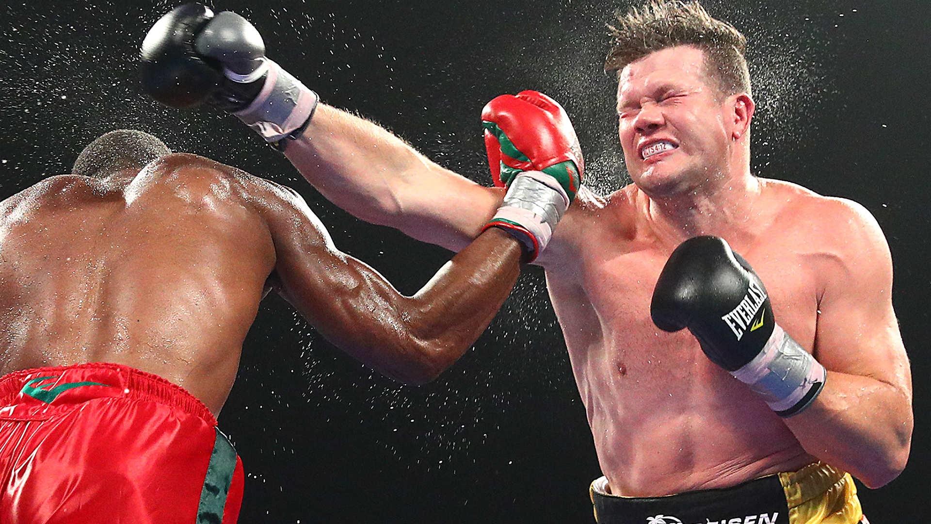 Американският боксьор Брайънт Дженингс направи обрат в мача от тежка
