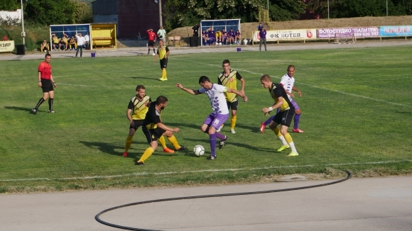 Ботев (Нови пазар) стартира с победа 2:0 новото първенство в