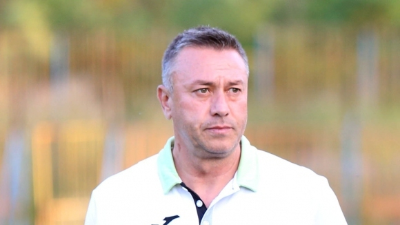 Бургаският треньор Неделчо Матушев през пролетта работи в украинския Стал