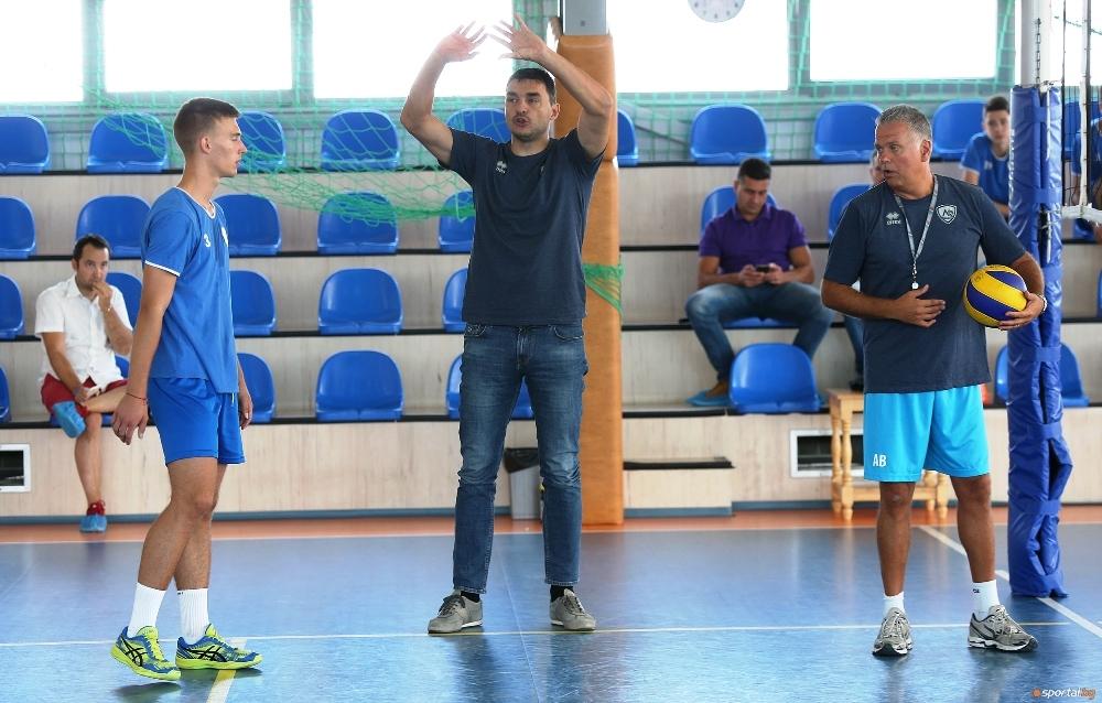 Президентът на волейболния Левски Владимир Николов коментира, че Андреа Буратини