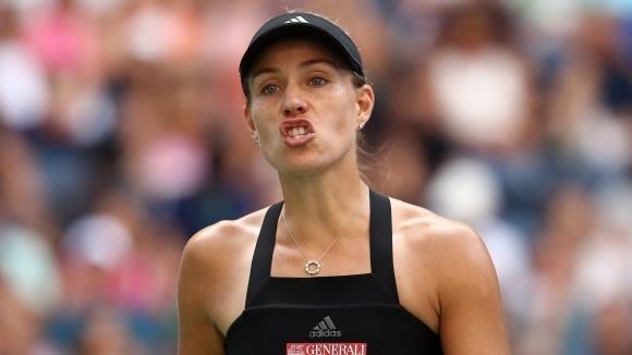 Доминика Цибулкова победи в три сета бившата водачка в световната