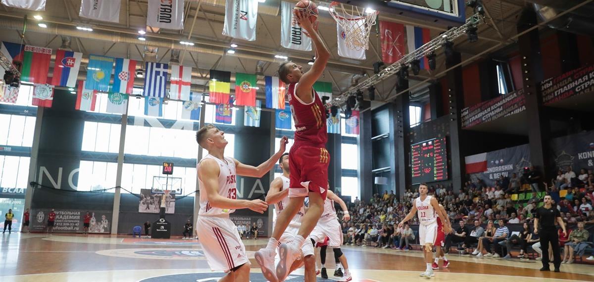 Националният отбор на Русия по баскетбол за мъже победи Полша