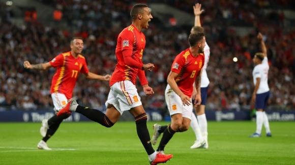 Англия излиза пред феновете си за първи път след четвъртото