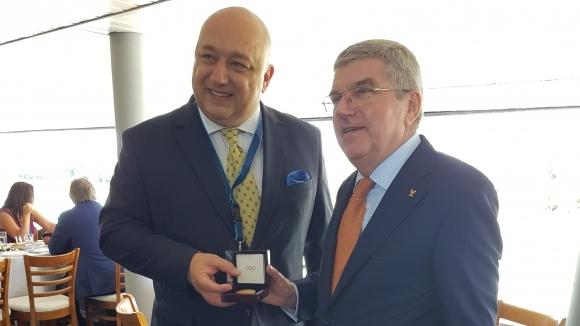 Министърът на младежта и спорта Красен Кралев получи специален златен