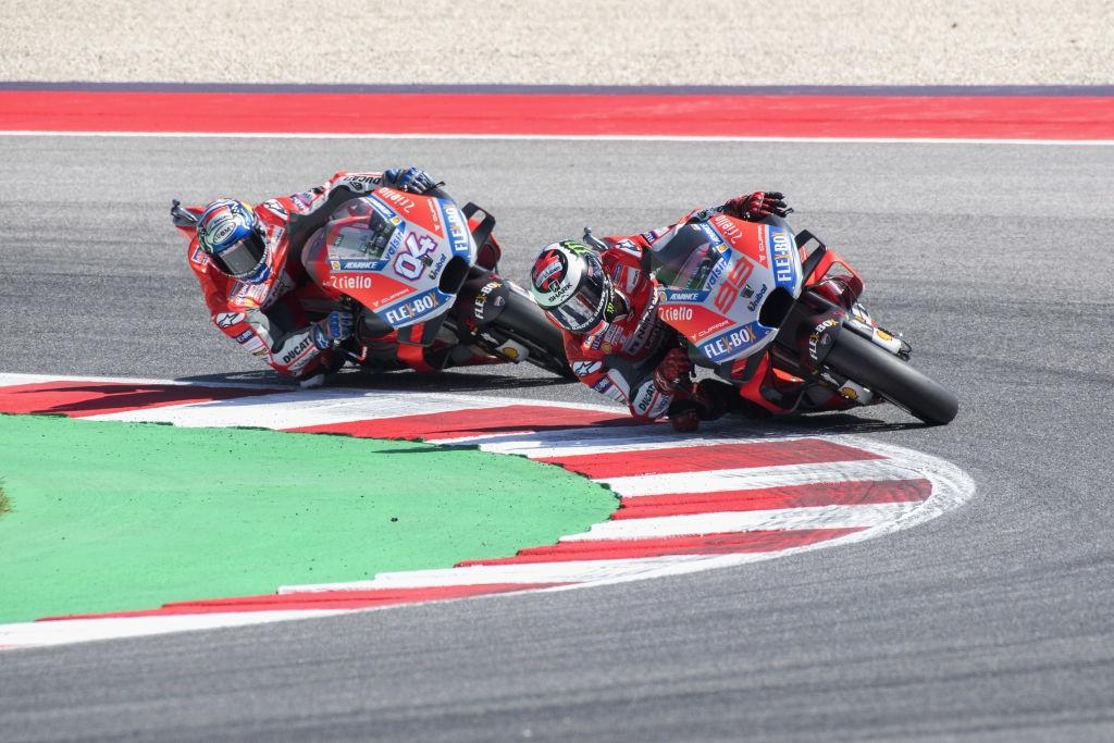 Екипът на Ducati в лицето на пилотите Андреа Довициозо и