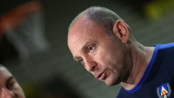 Треньорът на Левски Лукойл Тити Папазов смята, че силите са