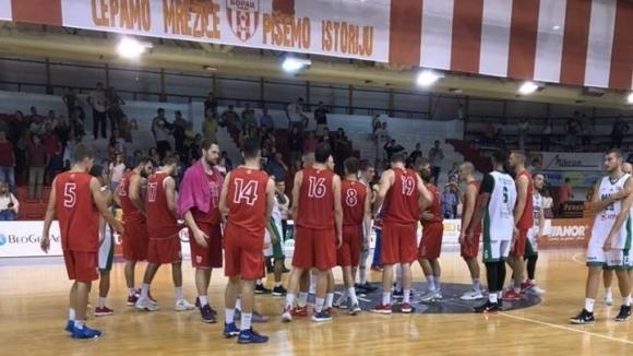 Баскетболистите на българския вицешампион Балкан (Ботевград) загубиха гостуването си на