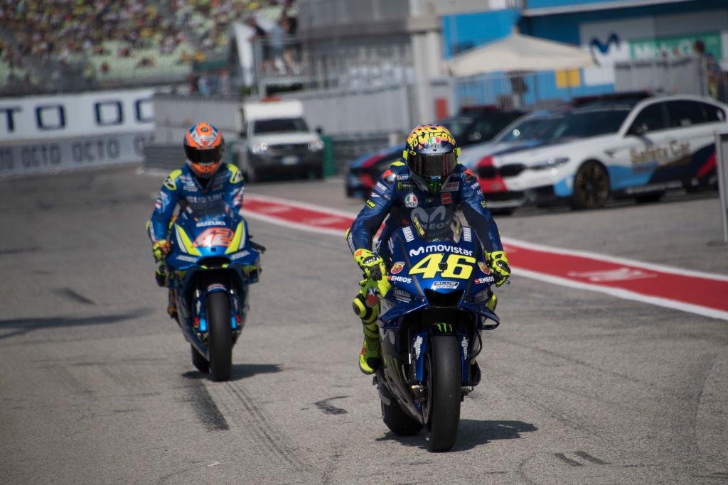 Състезателното дуо на Yamaha в MotoGP Маверик Винялес и Валентино