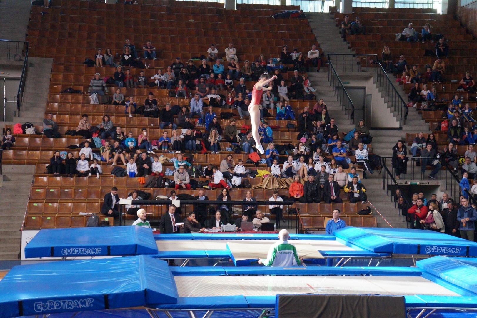 Третото издание на международния турнир по скокове на батут за