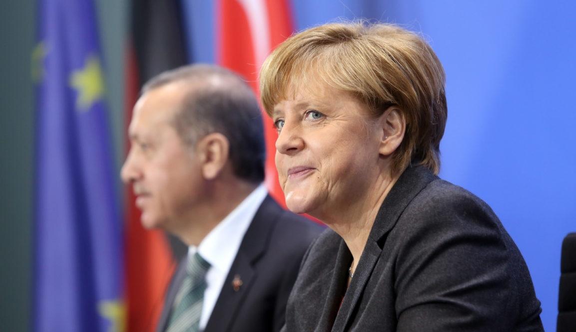 УЕФА ясно намекна, че Турция губи спора с Германия за