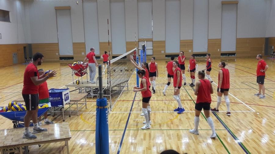 Неочаквана помощ от колежки получиха волейболните ни националки при поредната