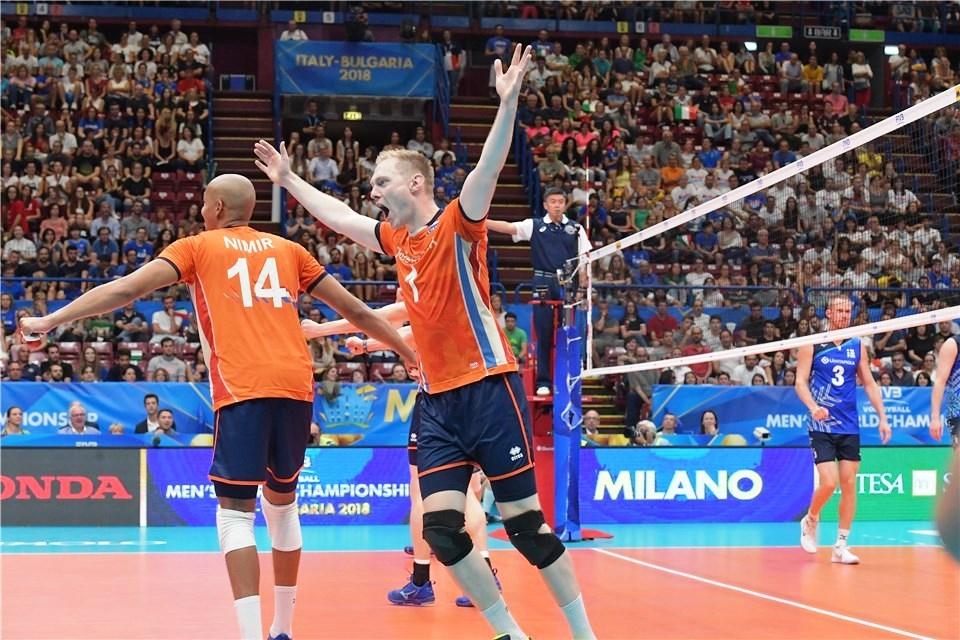 Волейболистите от националния отбор на Холандия съхраниха живи надеждите си