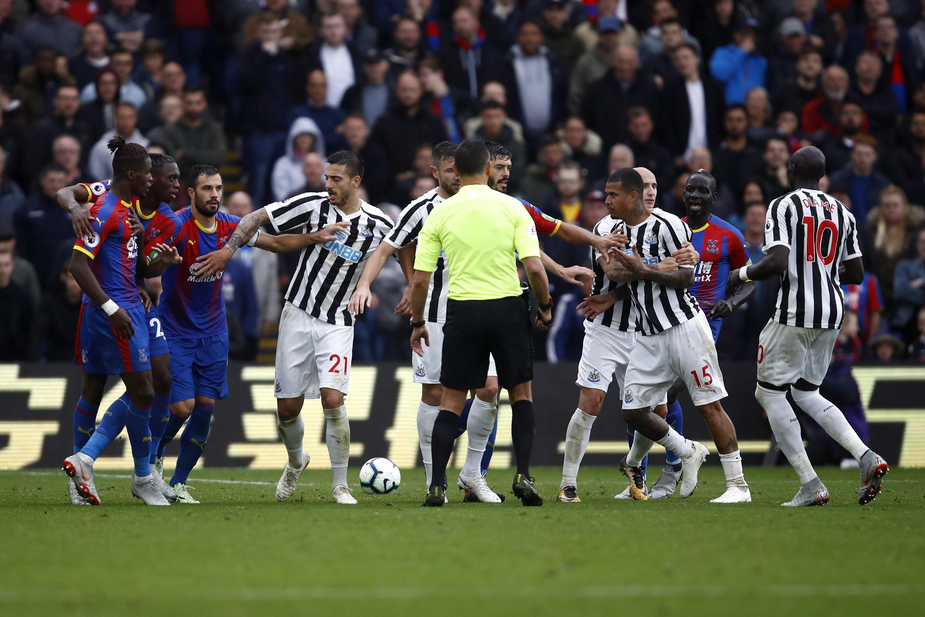 Футболната асоциация на Англия, започна разследване на инцидента, които настъпи