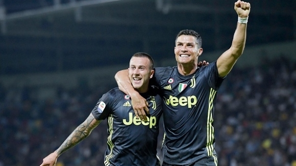 Шампионът и лидер в класирането на италианското първенство Ювентус гостува