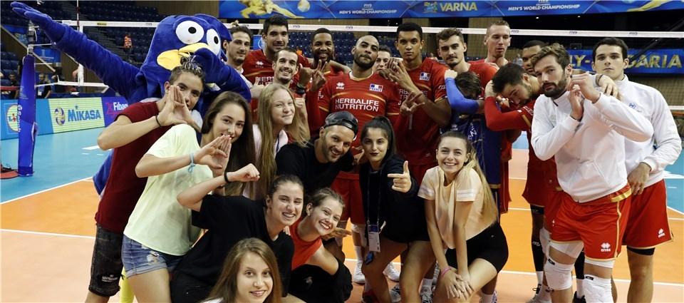 Волейболистите от националния отбор на Франция запазиха шансовете си за