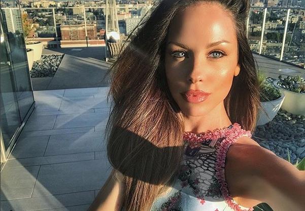"""""""Мис България 2002"""" Теодора Бургазлиева стана майка за първи път."""